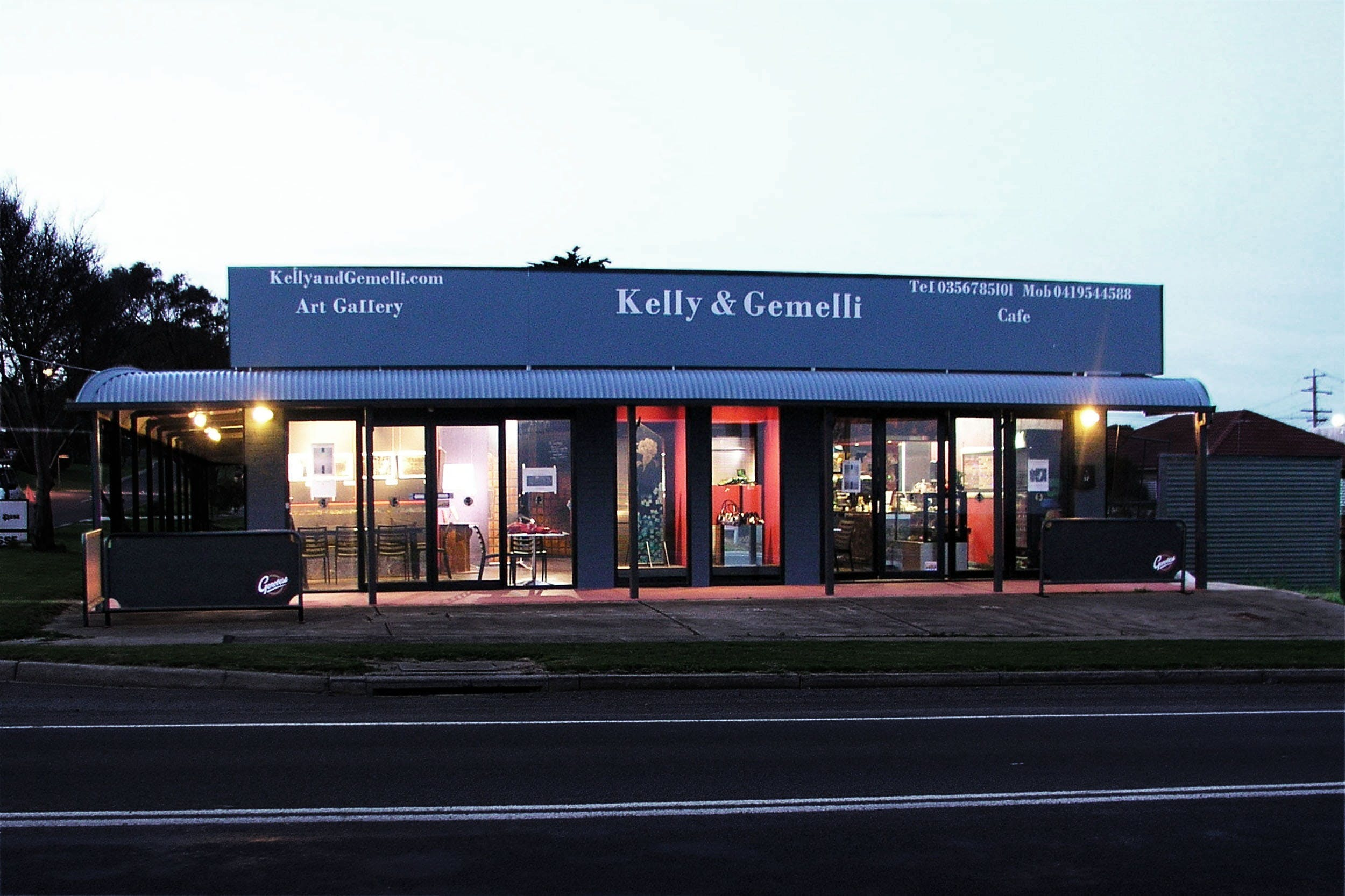 Kelly & Gemelli - Art and Design
