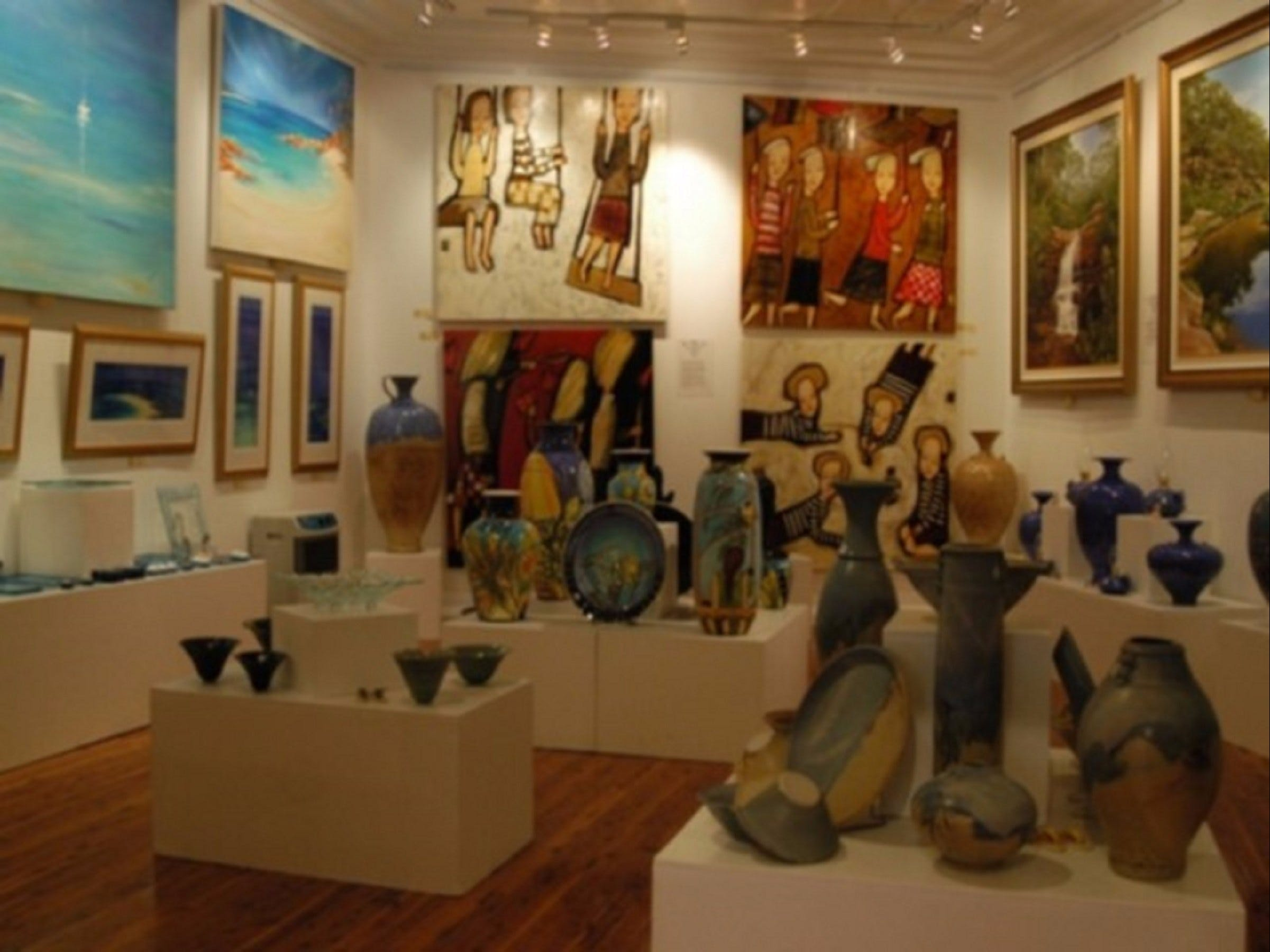 Articles Fine Art Gallery